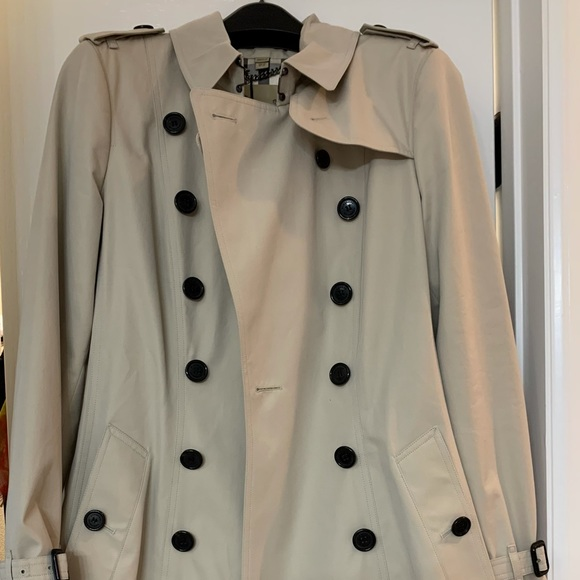 Burberry Chelsea Mid-length Trench Coat US10